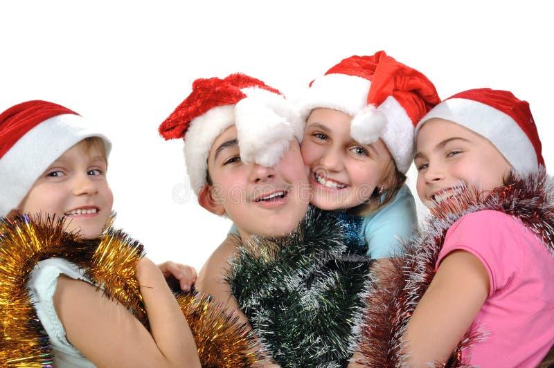 Gruppe glückliche Freunde, die Weihnachten feiern stockbild