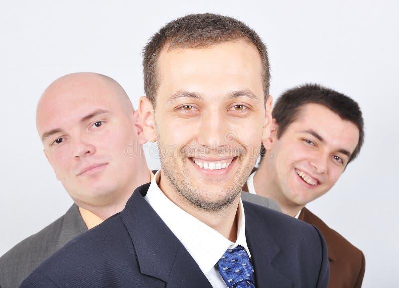 Gruppe junge Geschäftsmänner zusammen stockfotos