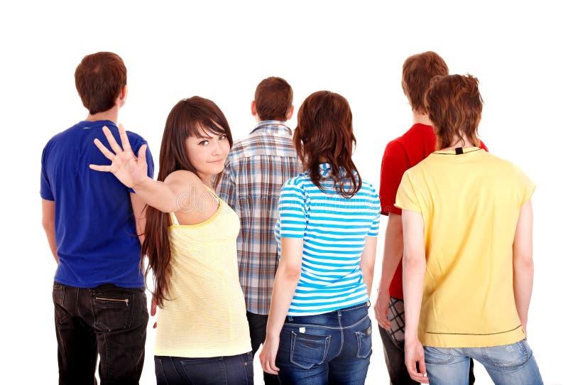 Gruppe junge Leute gehen weg. stockfotos