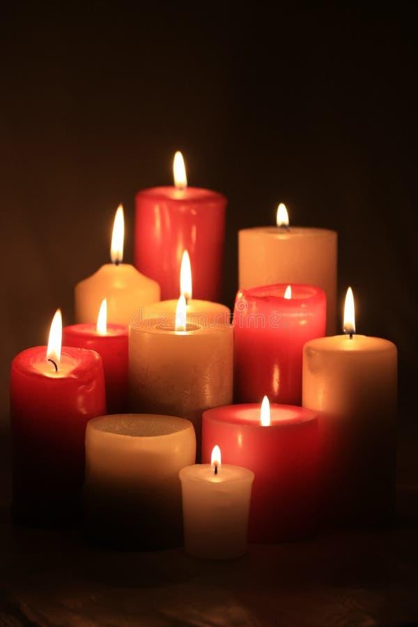 Gruppe Kerzen lizenzfreie stockfotos