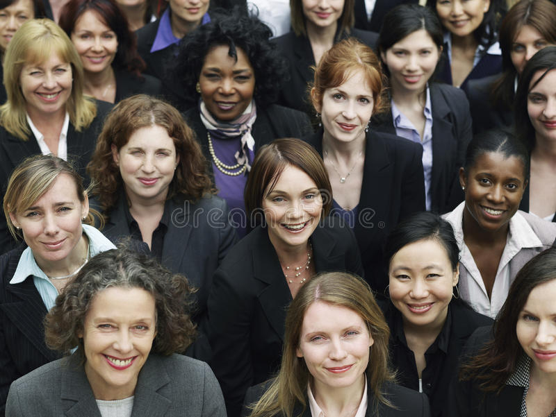 Gruppe lächelnde Geschäftsfrauen lizenzfreies stockbild