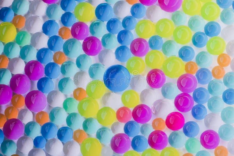 Gruppe mehrfarbige nass Hydrogelbälle lizenzfreie stockfotos