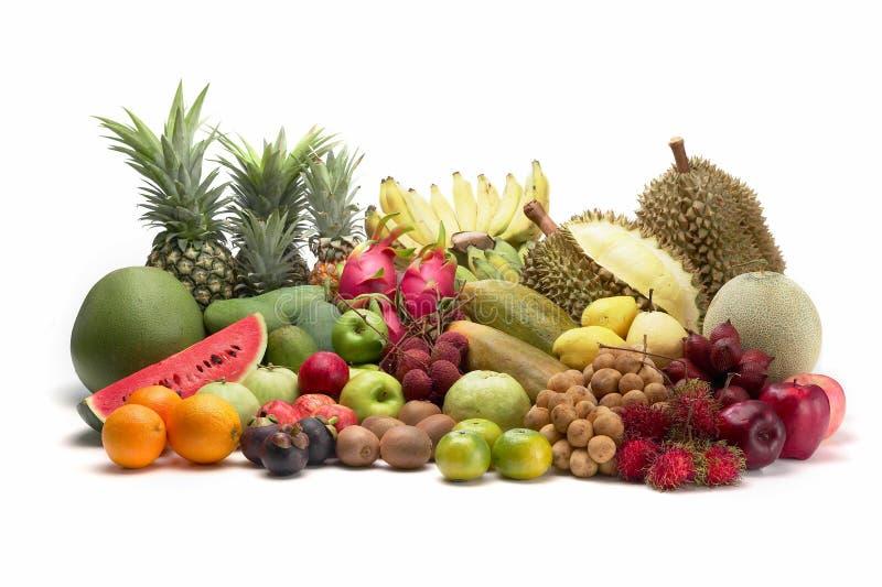Gruppe thailändische Frucht auf weißem Hintergrund stockfotografie