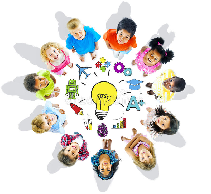 Gruppe von Kindern und von Inspirations-Konzept stockbild