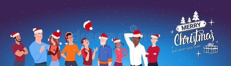 Gruppe von Personen, die Santa Hats Merry Christmas And-guten Rutsch ins Neue Jahr-Fahne trägt stock abbildung