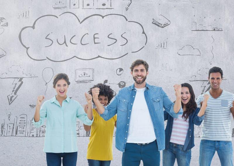 Gruppe von Personen, die vor Erfolgszeichnungen steht lizenzfreie stockbilder