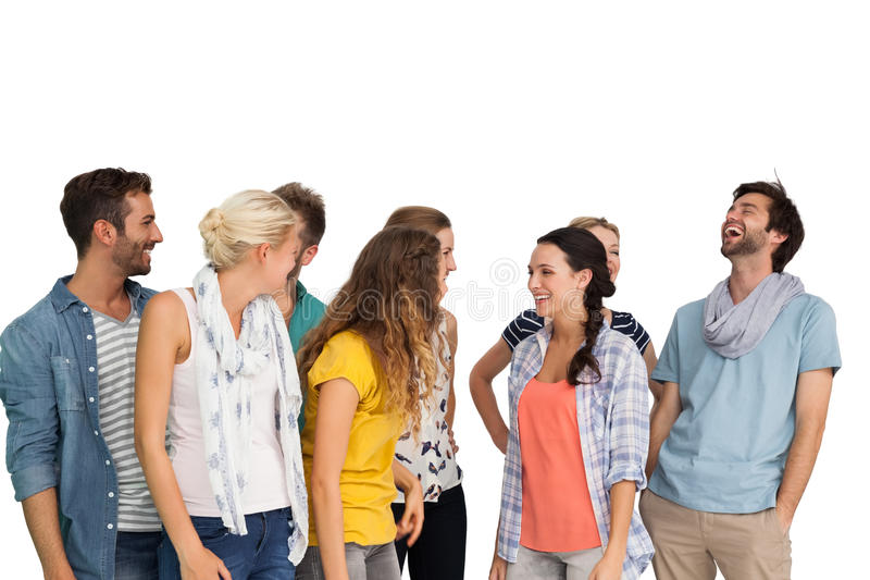 Gruppe zufällig gekleidete glückliche junge Leute stockfotos