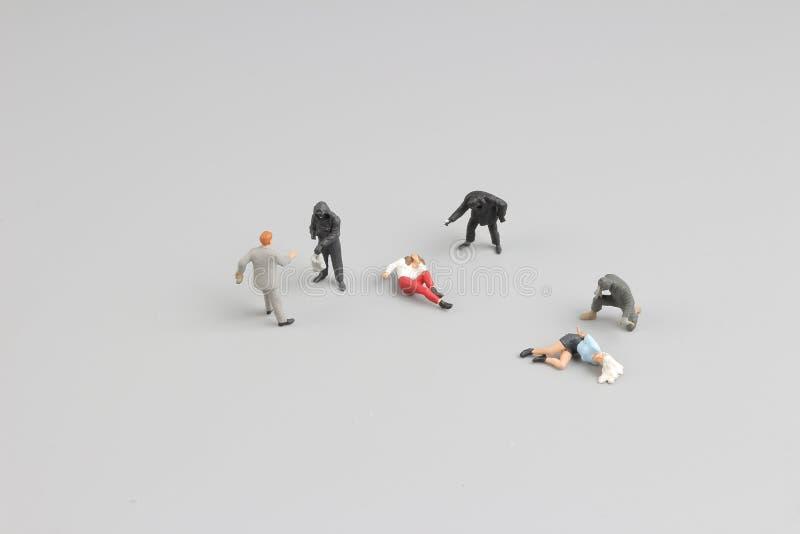 gruppen av den mini- aturerånaren arbetar arkivfoto