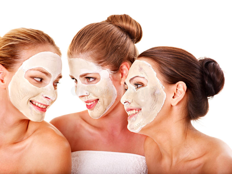 Gruppenfrauen mit Gesichtsschablone. stockfoto