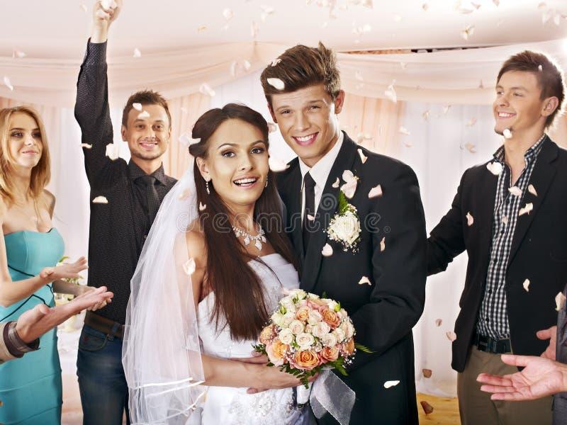 Gruppenleute an der Hochzeit. lizenzfreie stockfotografie