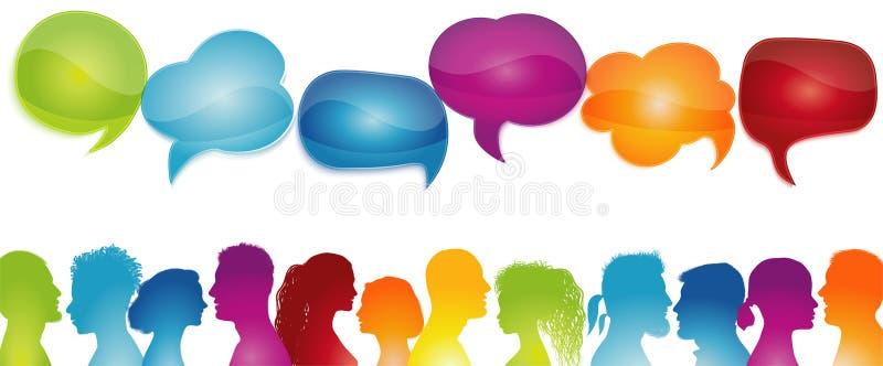 Gruppi di dialogo persone diverse Bolla vocale Parlare tra la folla Comunicazione tra le persone Profili silhouette Colori arcoba illustrazione vettoriale