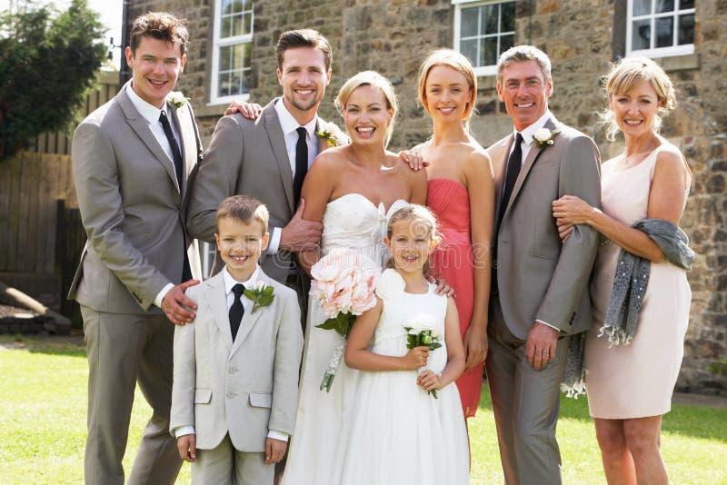 Gruppo della famiglia a nozze fotografia stock
