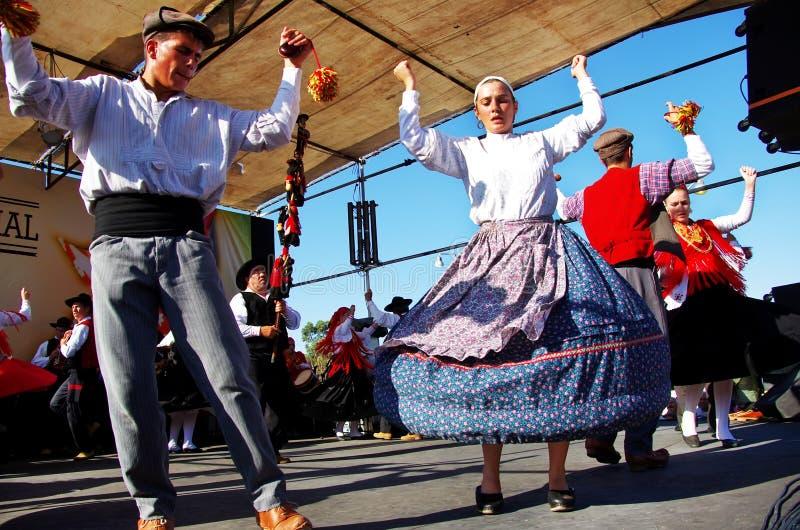 Gruppo della regione di Minho, Portogallo di danza popolare. immagine stock