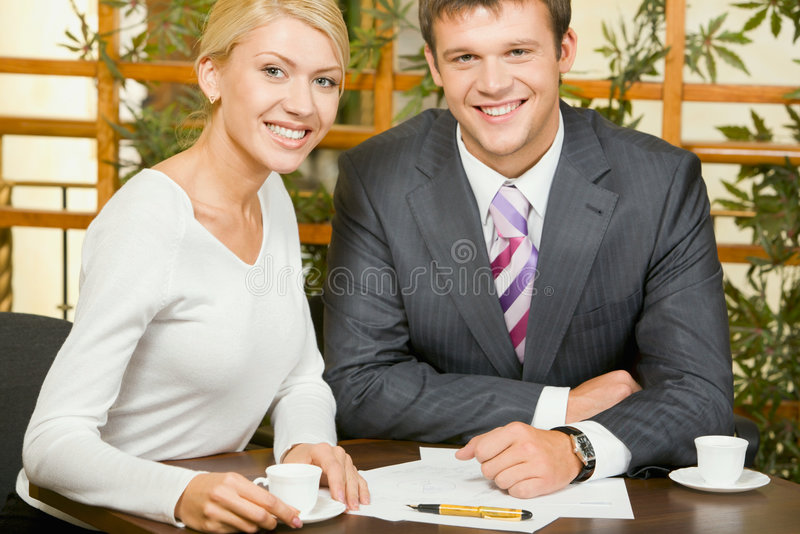Download Gruppo di affari fotografia stock. Immagine di businesspeople - 3881156