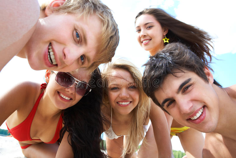 Gruppo di anni dell'adolescenza immagine stock libera da diritti