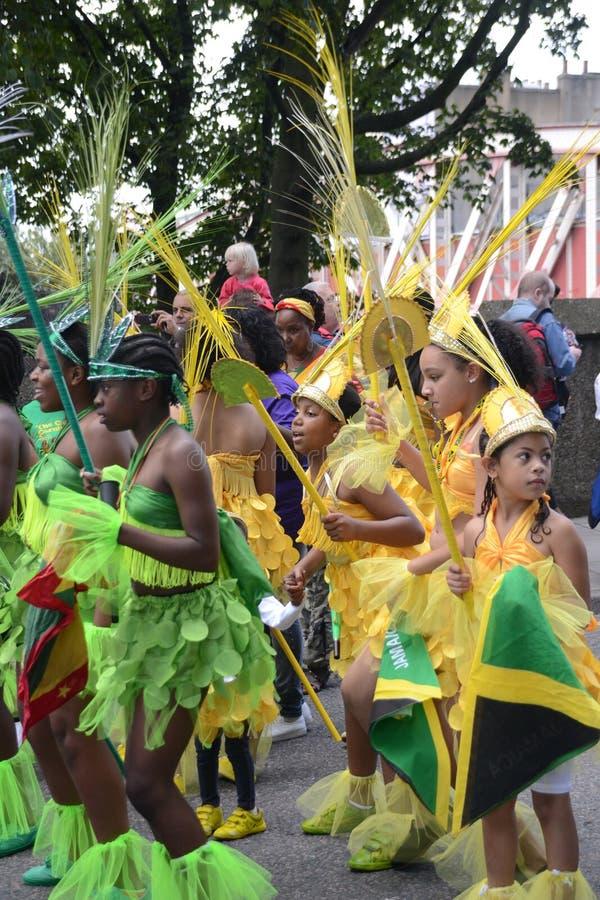 Gruppo Di Bambini Che Ballano Al Carnevale Del Notting Hill Fotografia Stock Editoriale