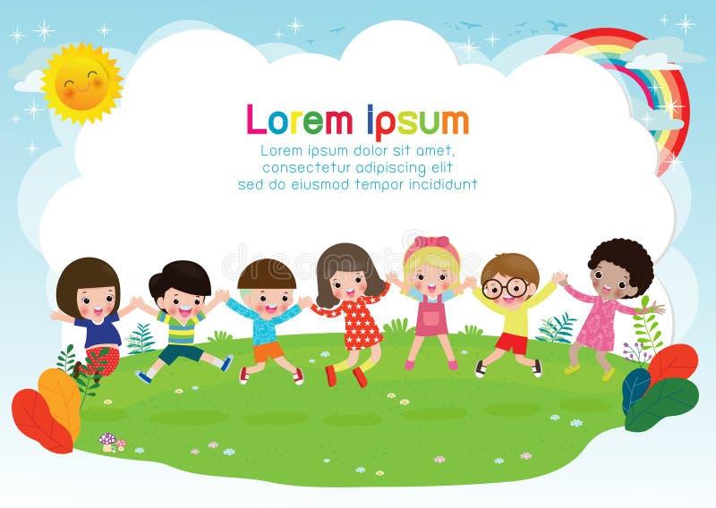 Gruppo di bambini felici che giocano insieme, di bambini che si tengono per mano e che saltano su un prato modello di estate per  illustrazione vettoriale