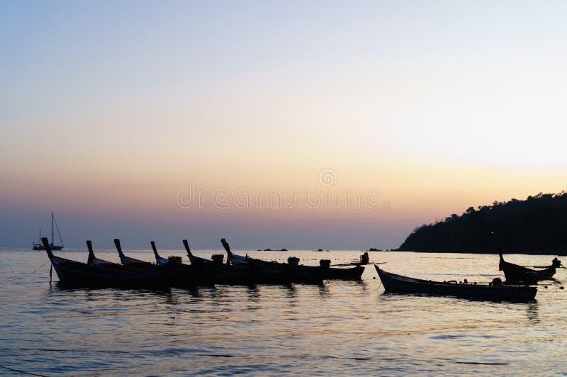 Gruppo di barca nel mare fotografia stock
