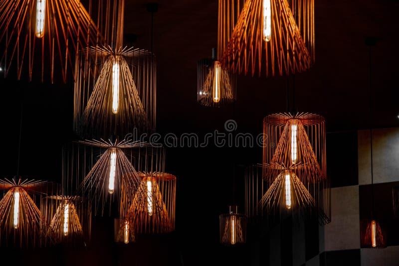 Gruppo di candelieri geometrici del cavo di dimensioni differenti illustrazione di stock