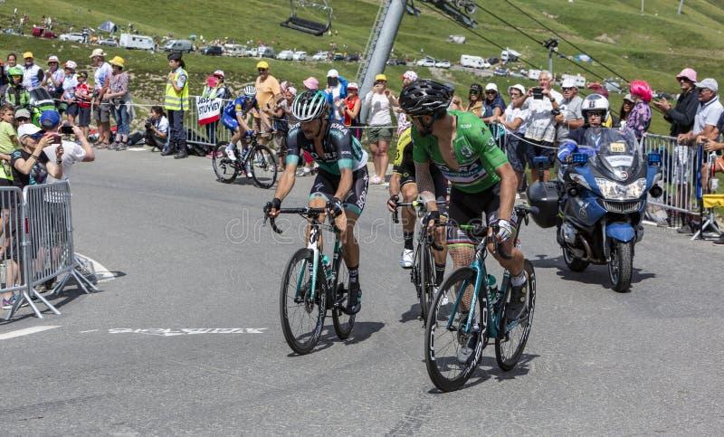 Gruppo di ciclisti su Col du Tourmalet - Tour de France 2018 immagini stock libere da diritti