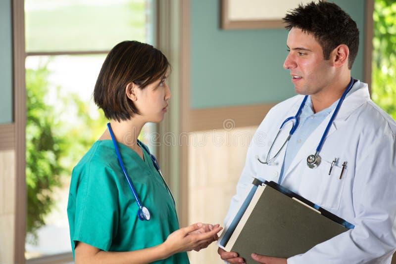 Gruppo di diversi fornitori di cure mediche immagine stock