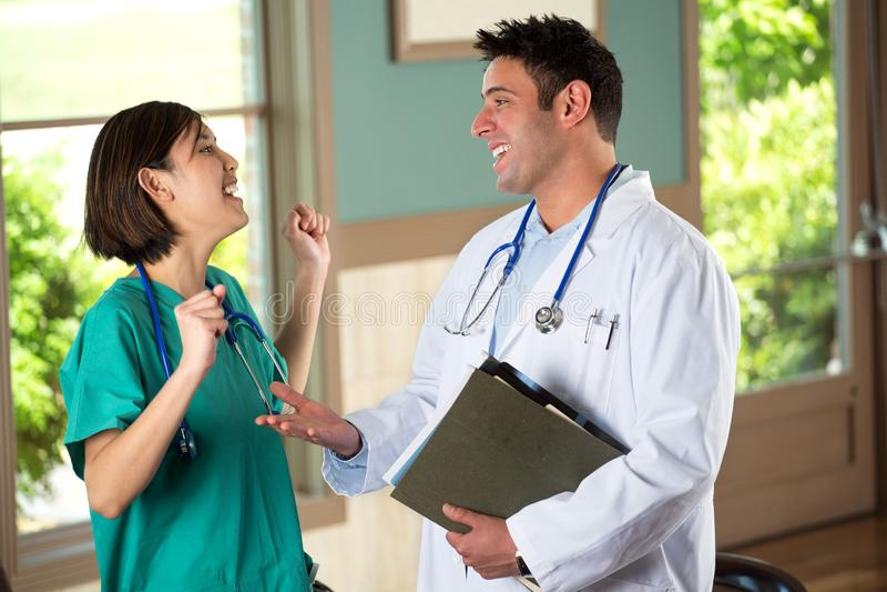 Gruppo di diversi fornitori di cure mediche immagini stock libere da diritti