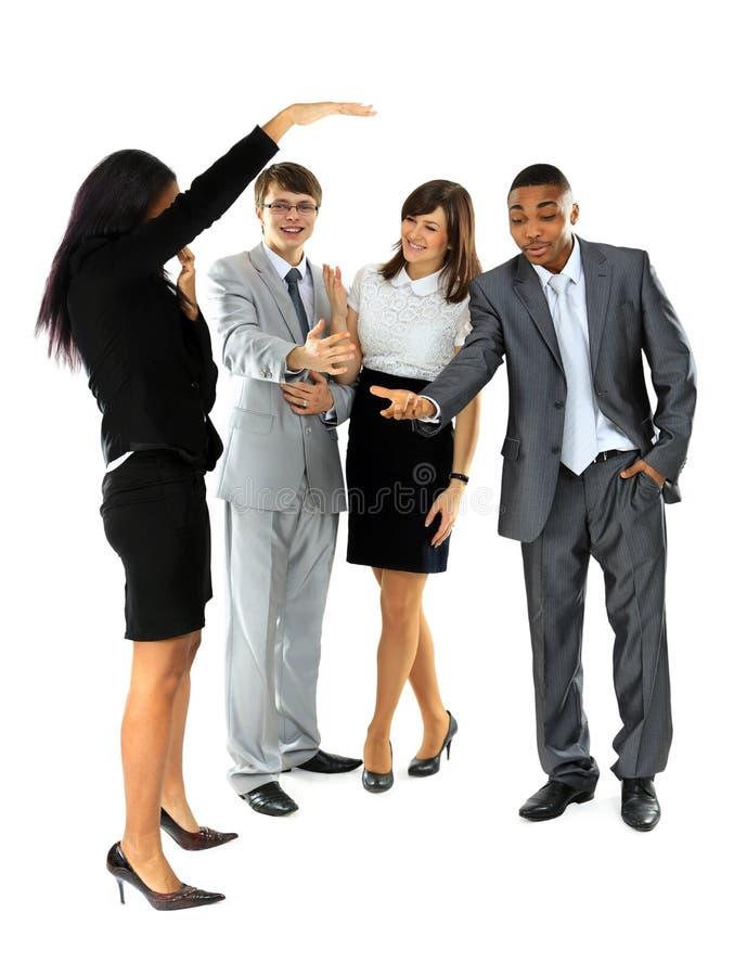 Gruppo di gente di affari discussa circa fotografie stock