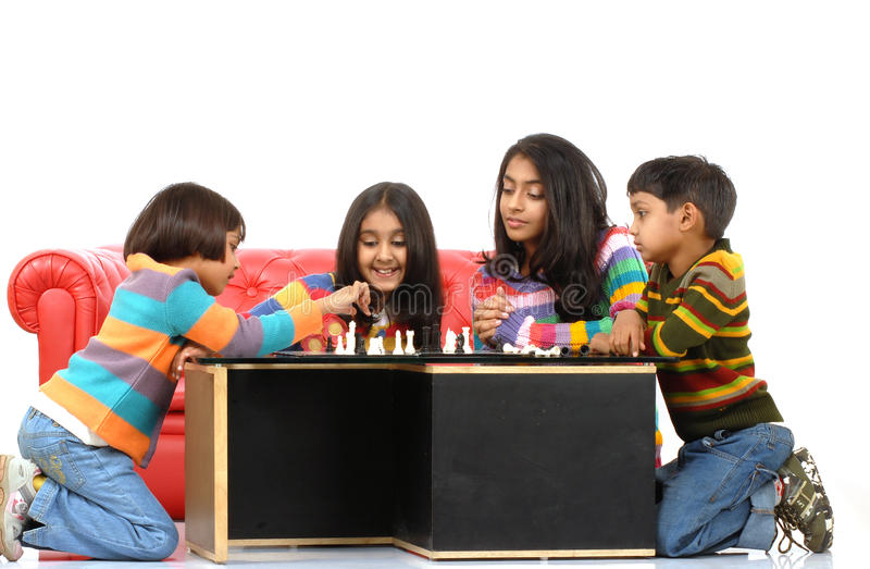 Gruppo di gioco dei bambini fotografia stock