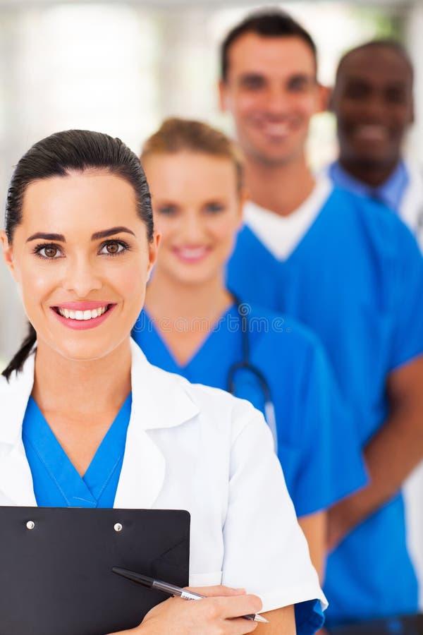 Gruppo di medici astuto immagini stock libere da diritti