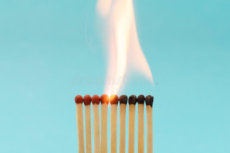 Gruppo di partite brucianti fotografia stock libera da diritti