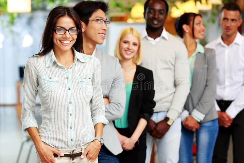 Gruppo di persone felice immagini stock libere da diritti