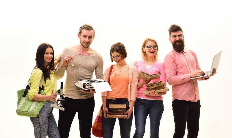 Gruppo di studenti che scelgono una carriera Istituto universitario internazionale della borsa di studio Nuova tecnologia per di  immagini stock libere da diritti