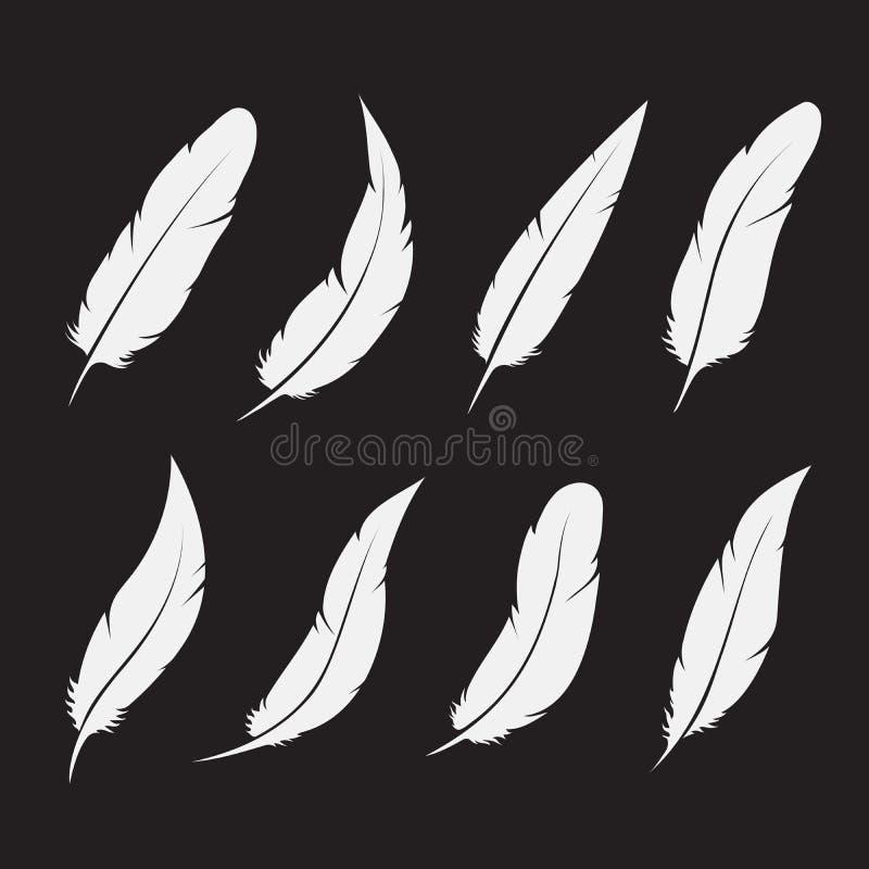 Gruppo di vettore di piuma bianca su fondo bianco Illustrazione stratificata editabile facile di vettore royalty illustrazione gratis
