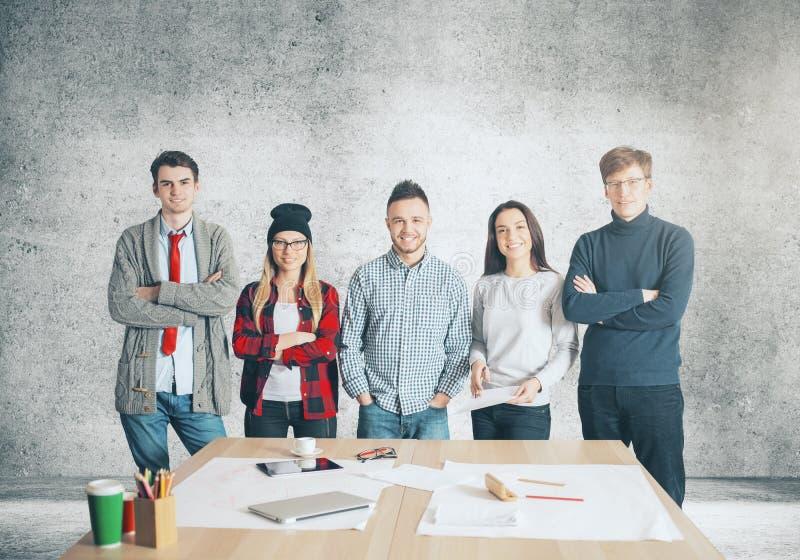 Gruppo europeo in ufficio fotografie stock