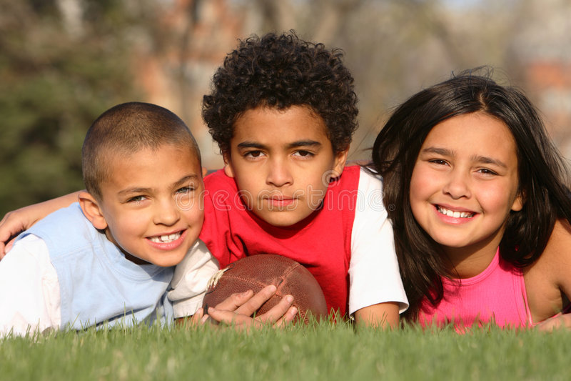 Gruppo Multiracial di bambini fotografia stock libera da diritti