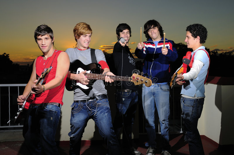 Gruppo teenager di musicisti fotografia stock