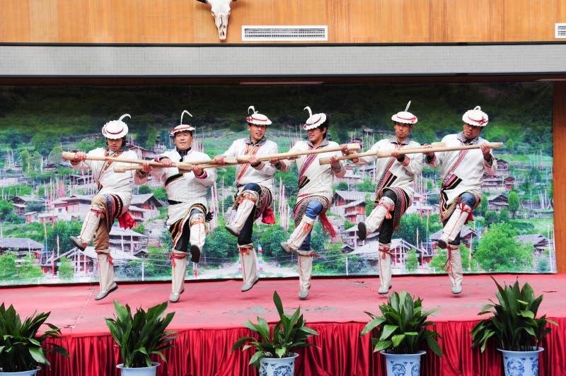 Gruppo tibetano che esegue musica fotografia stock libera da diritti