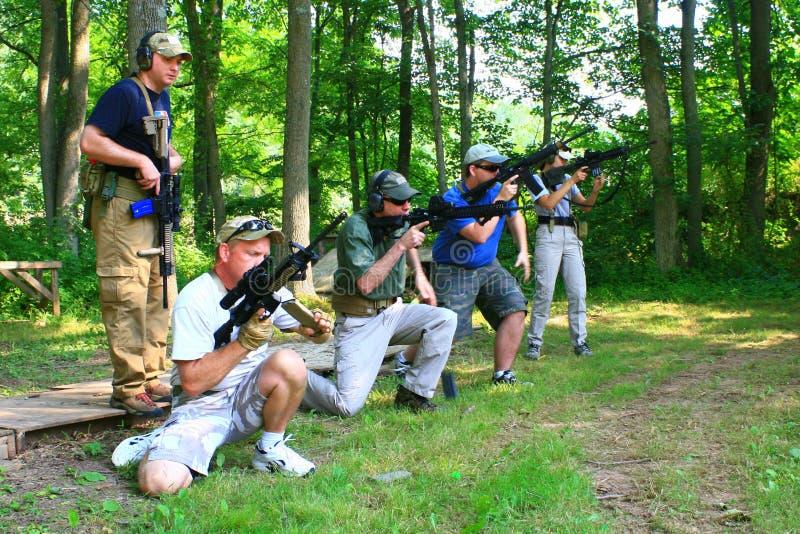 gruppskjutvapen arkivbilder