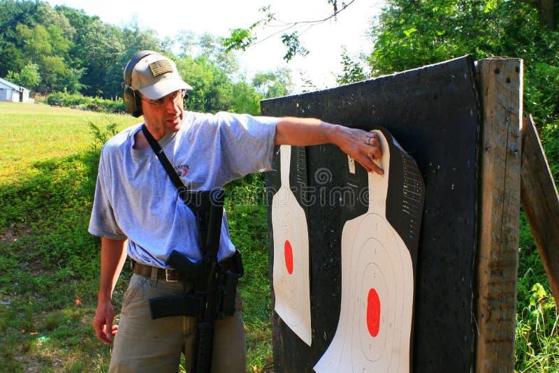 gruppskjutvapen arkivfoton