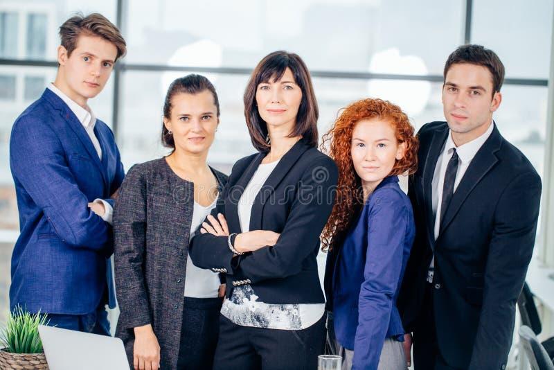 Gruppstående av kollegor för företags affär royaltyfri bild