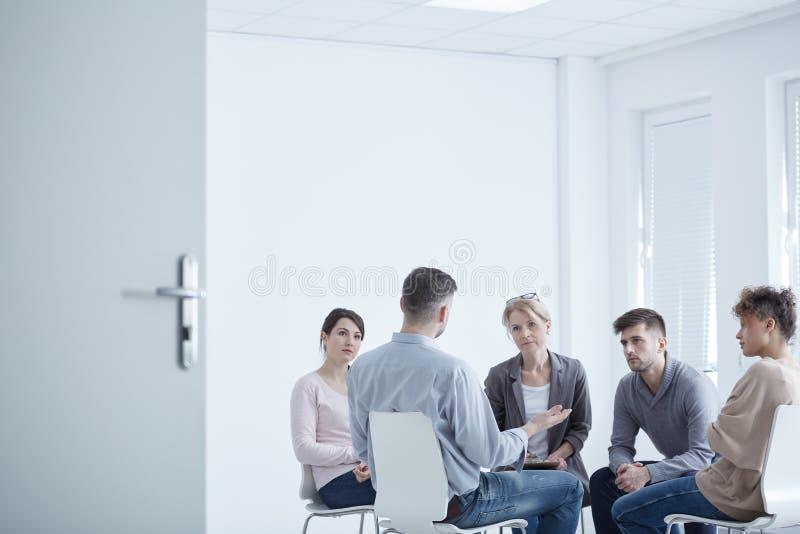 Gruppterapi för PTSD royaltyfri fotografi