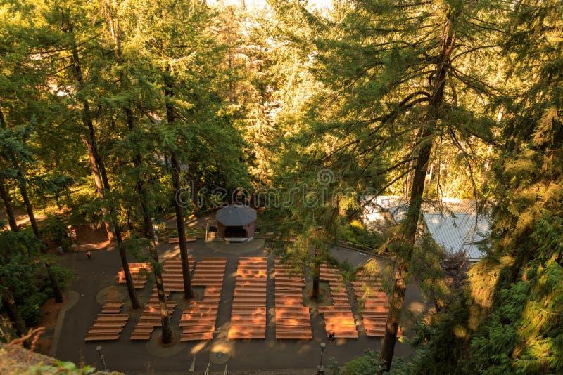 A gruta, é um santuário e um santuário exteriores católicos situados no distrito de Madison South de Portland, Oregon, Estados Un imagem de stock royalty free