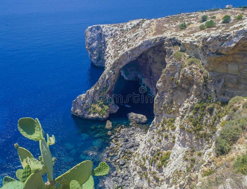 A gruta azul, Malta foto de stock