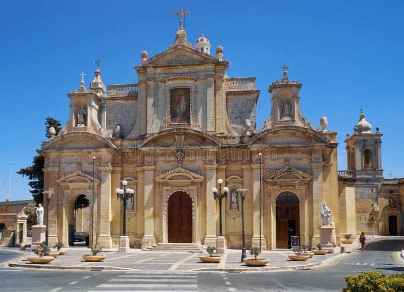 Gruta e a igreja escolar de St Paul em Rabat, Malta imagens de stock royalty free