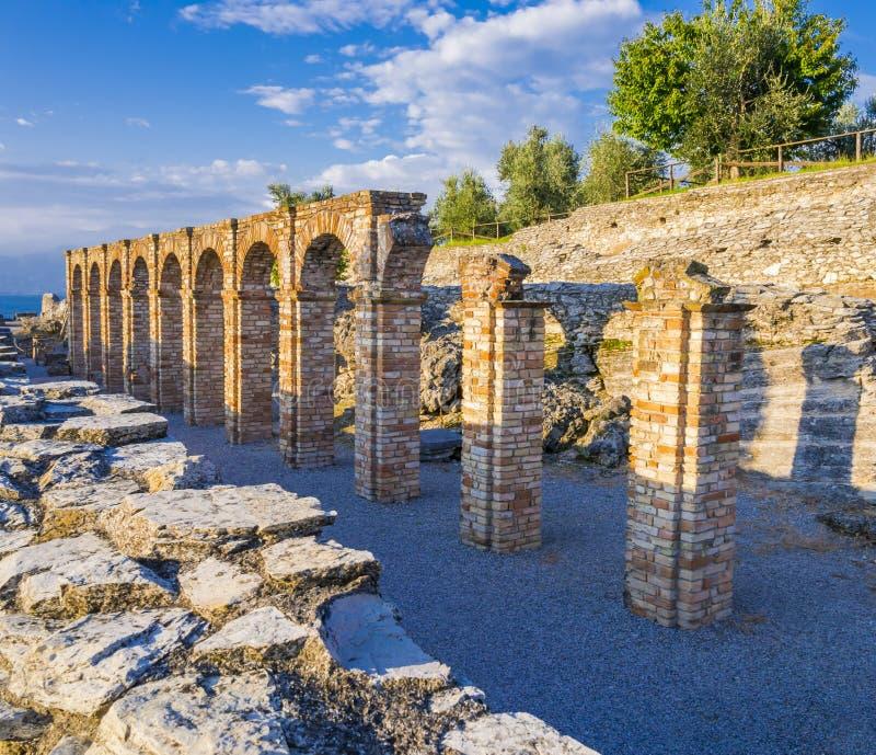 Grutas de Catullus, casa de campo romana em Sirmione, lago Garda, Itália imagens de stock