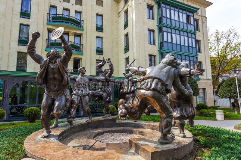 13 04 2018 Gruzja, Berikaoba Tbilisi, - rzeźby statua W Tbil fotografia royalty free