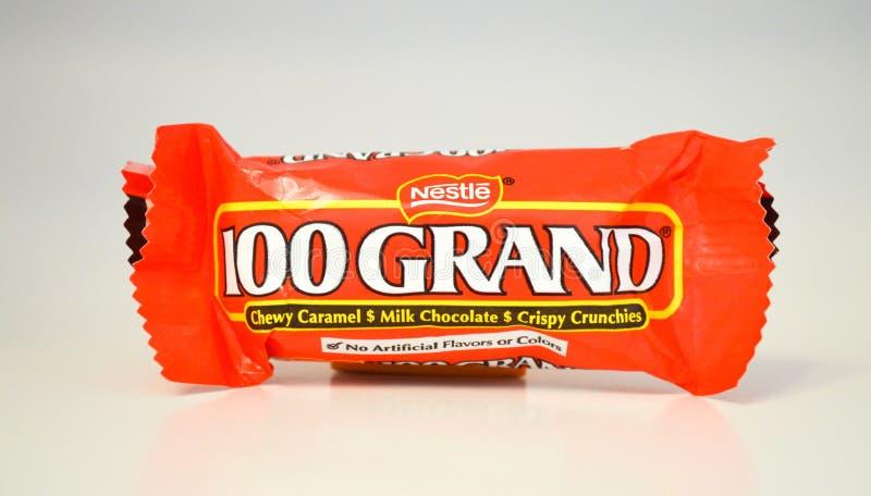 Gryźć wielkościowe porcje czekoladowi 100 Uroczystych cukierków barów fotografia stock