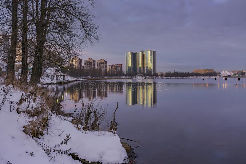 Gry i St Petersburg i området av fiske arkivfoto