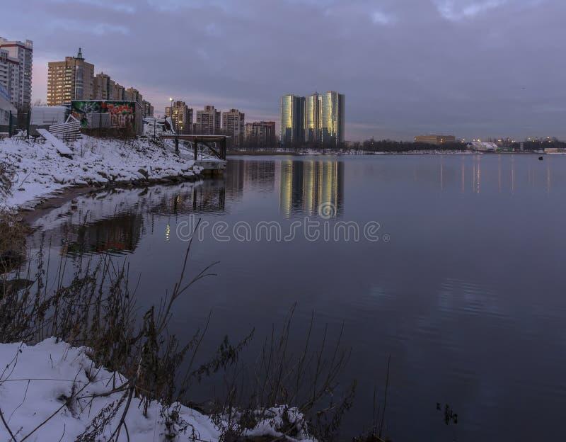 Gry i St Petersburg i området av fiske royaltyfri bild