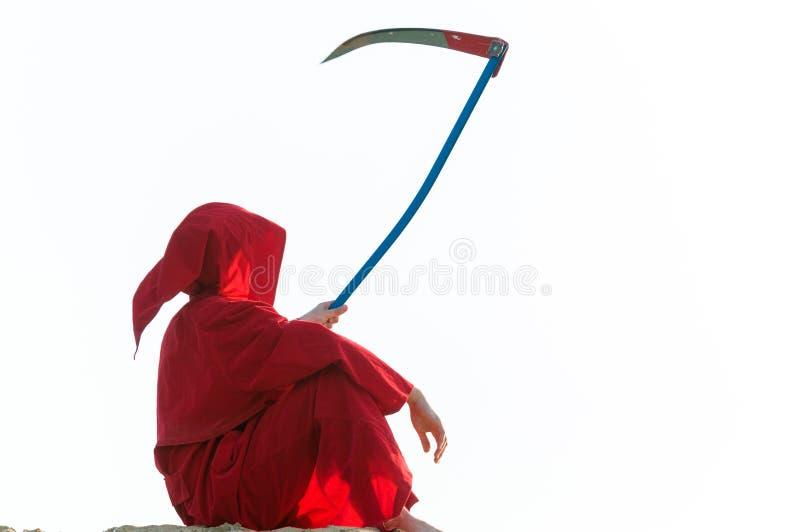 Grym skördemaskin i rött arkivbild